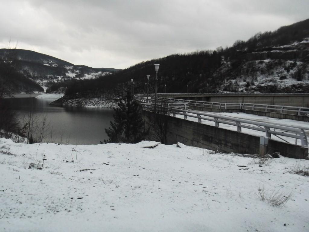 brana na jezeru Vrutci